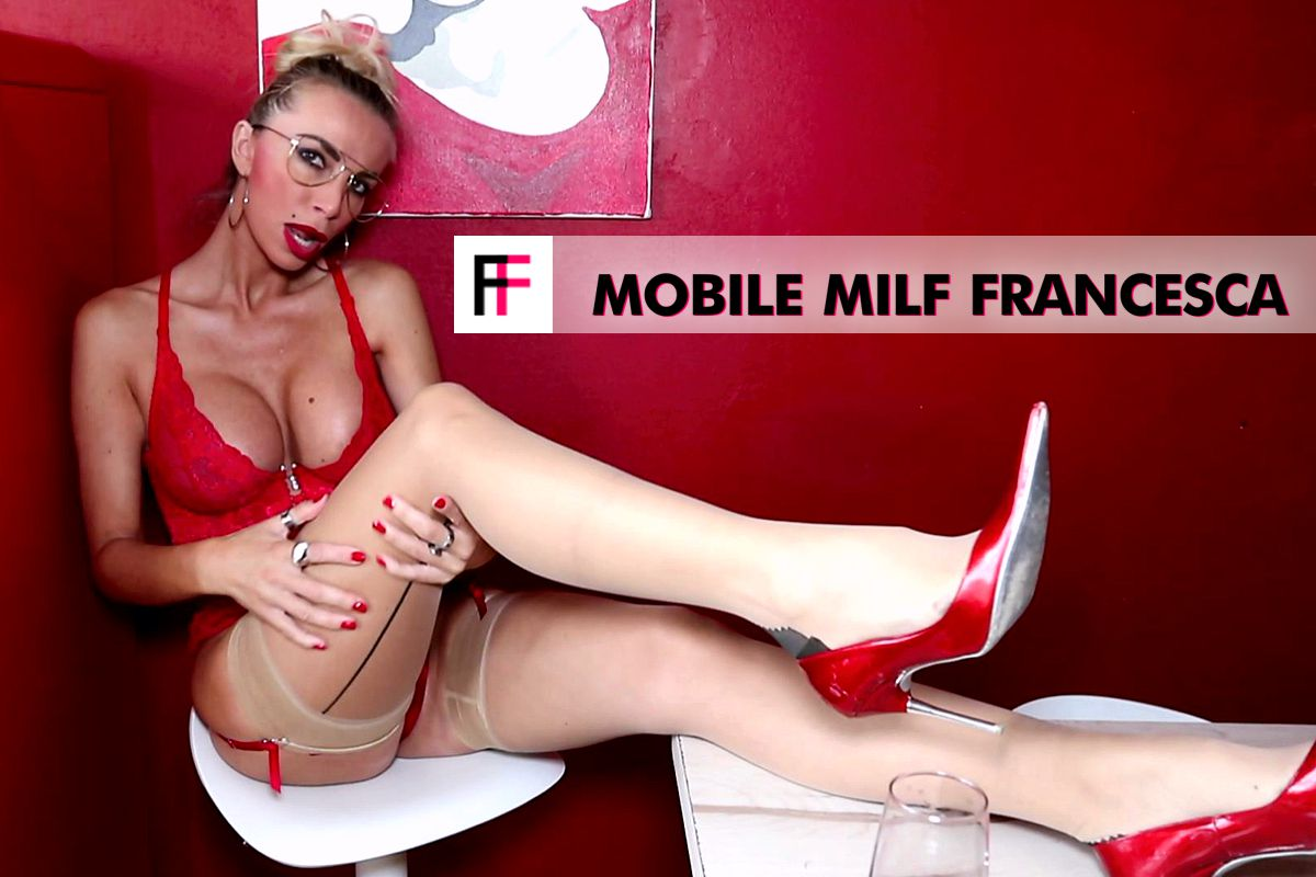 Mobile MILF Francesca - RED